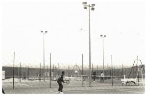 1985 : 4 courts extérieurs